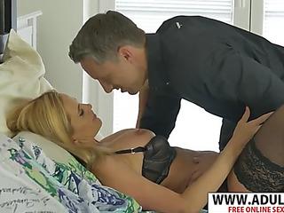 Hawt fresh mom lili peterson seduces nice touching dad's ally