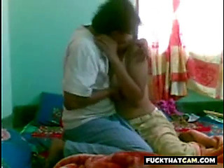 This Chab just can't live without banging wife's slit in missionary position