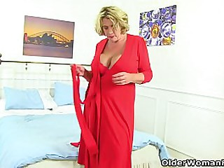 Voluptuous milf Shooting Star exposes her big nippled boobs and cock hungry cunny (brand NEW video available in Full HD 1080P). Bonus video: British milf Camilla Creampie.